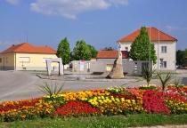 Hauptplatz/Kriegerdenkmal